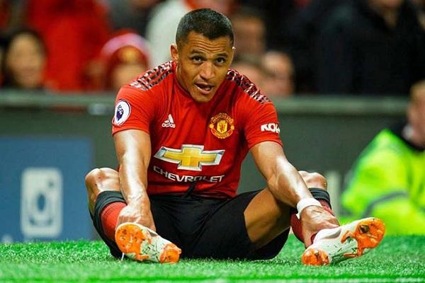 Sanchez dính chấn thương bất thường