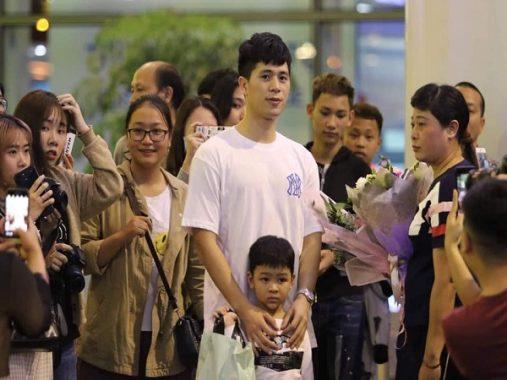 Tin bóng đá Việt 6/3: Trò cưng HLV Park Hang Seo về nước