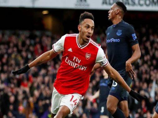 Aubameyang lập cú đúp giúp Arsenal đánh bại đối thủ Everton
