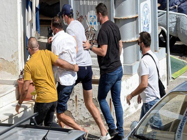 Tin bóng đá trưa 26/8: Maguire khoe giàu có khi hối lộ cảnh sát