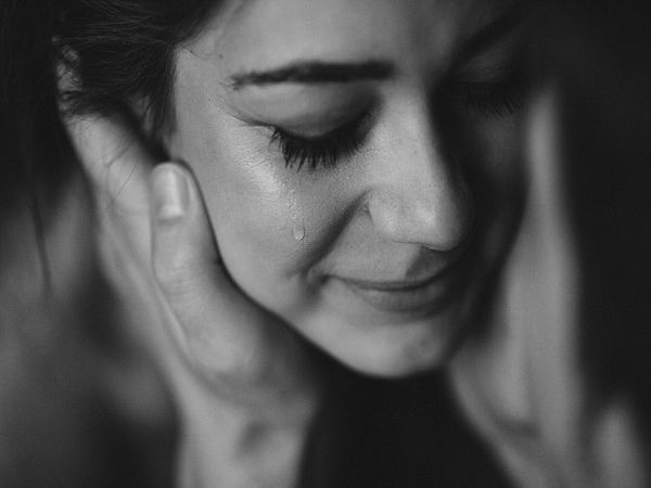 Mơ thấy nước mắt là điềm báo lành hay dữ?