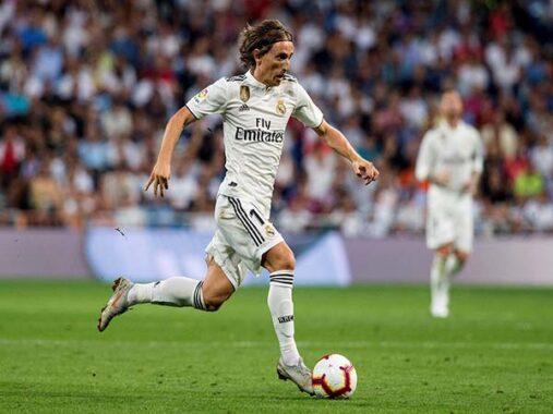 Tin chuyển nhượng sáng 14/1 : Real Madrid giữ chân Modric