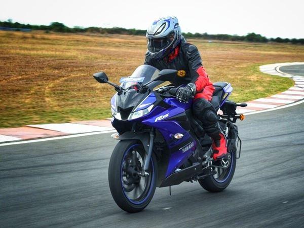 Mơ thấy xe moto thử vận may với con lô nào? Là điềm gì?