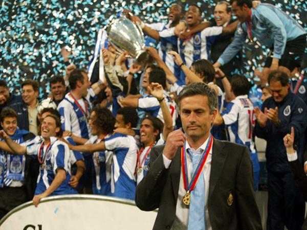 Jose Mourinho-người cầm quân tài ba
