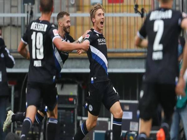 Soi kèo Tài Xỉu Augsburg vs Bielefeld (20h30 ngày 17/4)