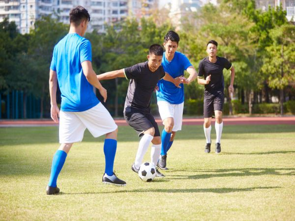 Cách phục hồi thể lực hiệu quả sau mỗi trận đá bóng